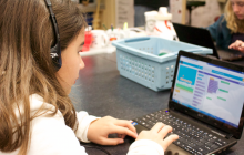 """Students Learn to Code at Arroyo Seco Jr. High with """"Hour of Code"""" Event"""