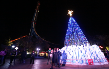 Lights Seek to Thrill at Six Flags Holiday in the Park