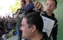 Student Raises $520 for School, Gets to Shave Teacher's Head